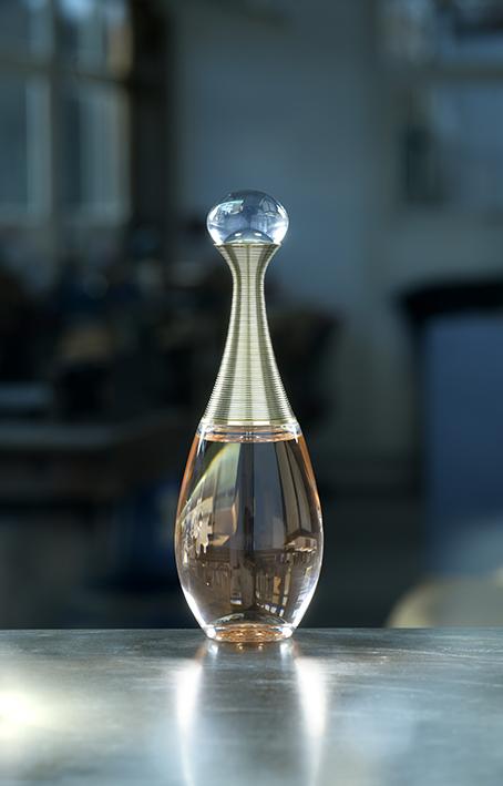 Flacon parfum J'adore Dior